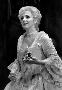 photo of Barbara Kilduff as Sophie in DER ROSENKAVALIER